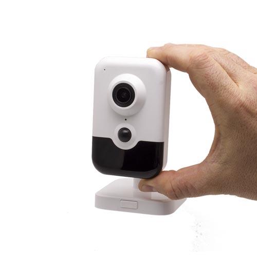 Caméra IP intelligente WiFi P2P HD 6 Mpx avec Infrarouge et Détecteur PIR